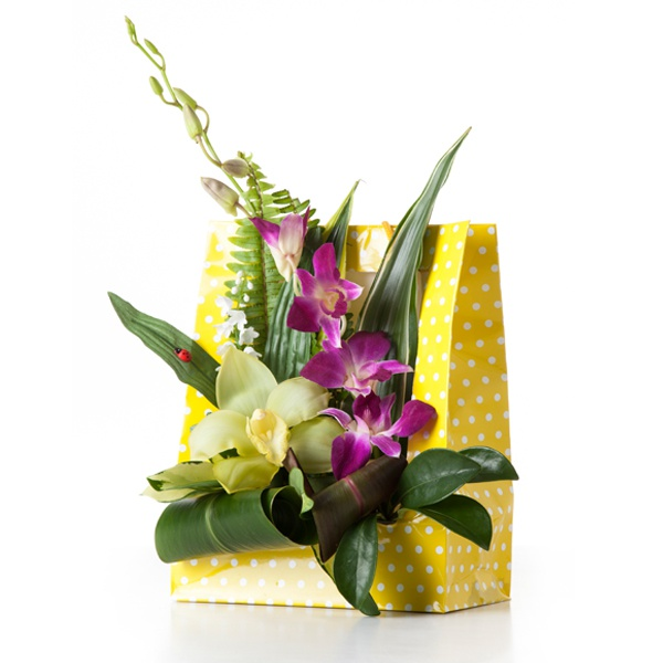 Flowerbag yellowdot muguet compositions dominante - Composition florale avec bougie ...